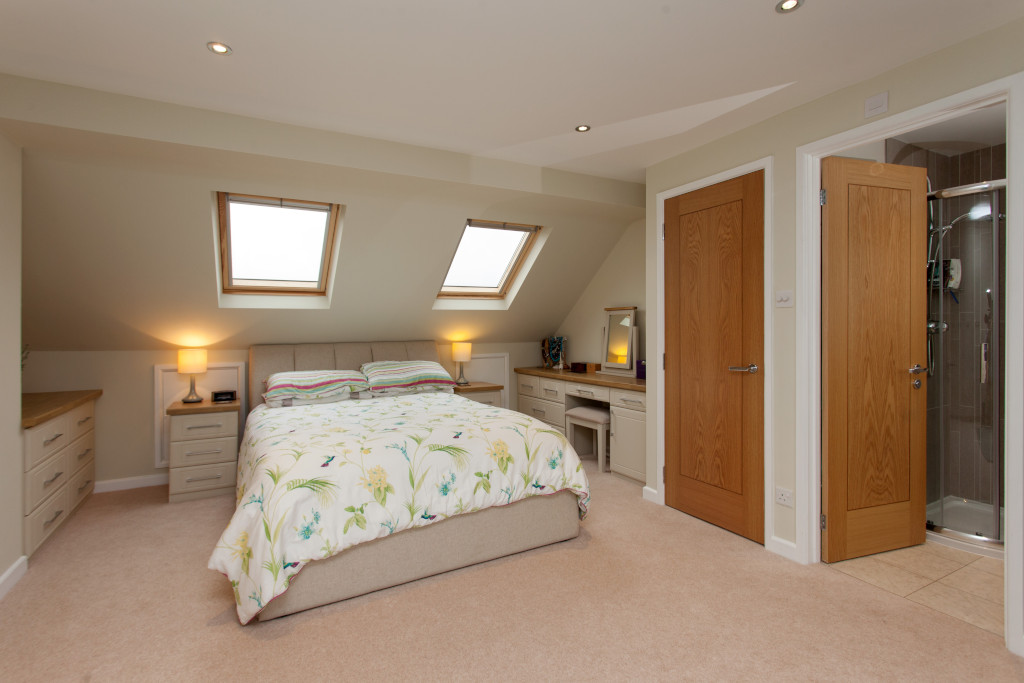 Bedroom loft conversion with en-suite