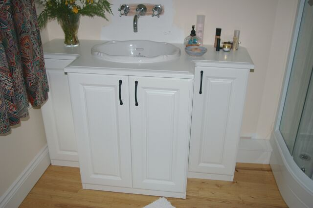 Bespoke vanity unit in dormer conversion in Oxford
